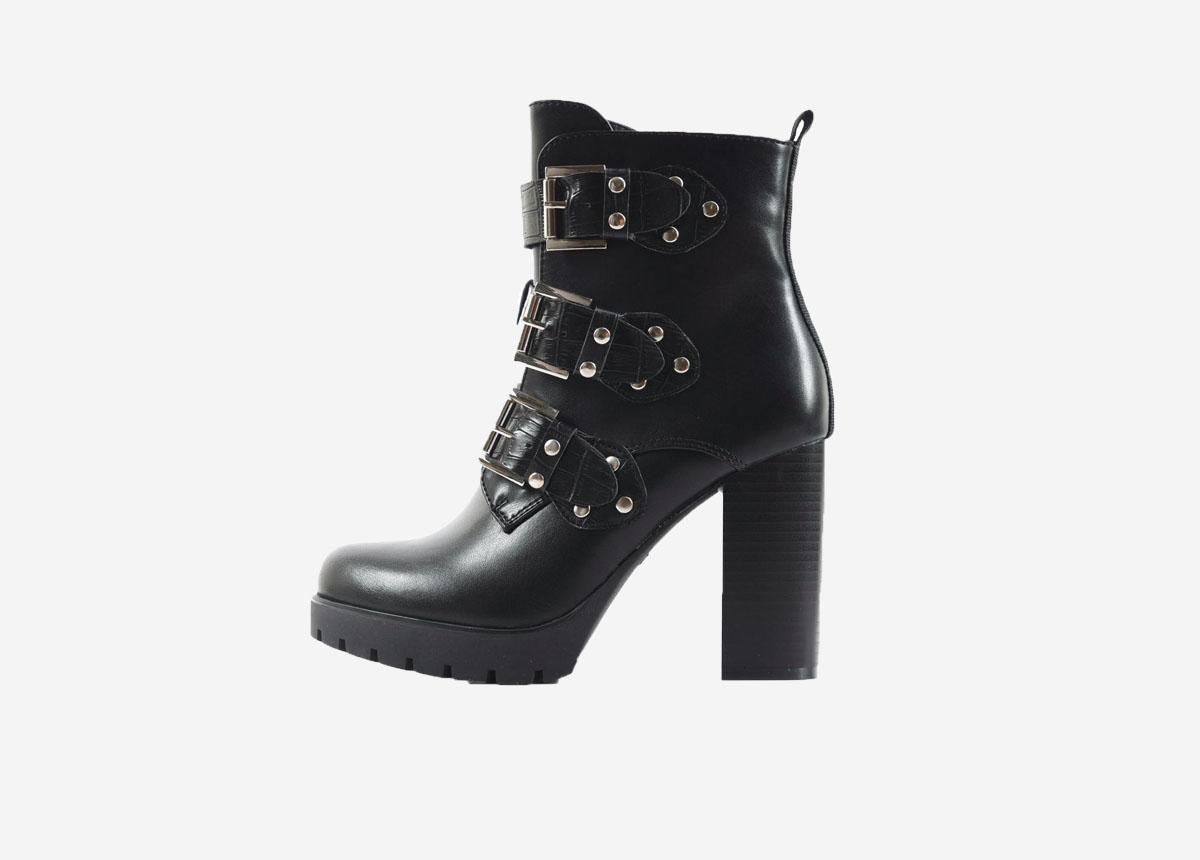 Stilettoheels #StilettoHeels | Boots in 2019 Hoge hak