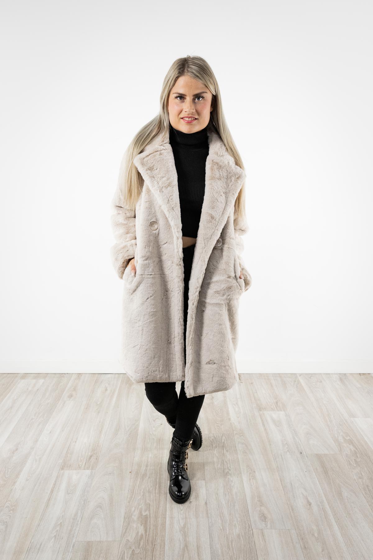 faux fur jas beige